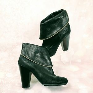 Michael Michael Kors Black Leather Ankle Bootie 9